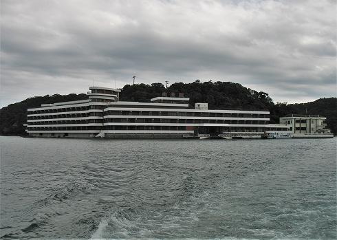 勝浦温泉ホテル中の島