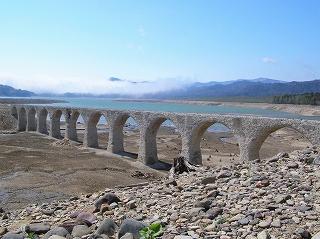 タウシュベツ橋梁1